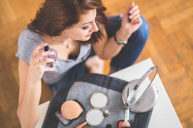 Quel parfum choisir pour une femme selon son âge?